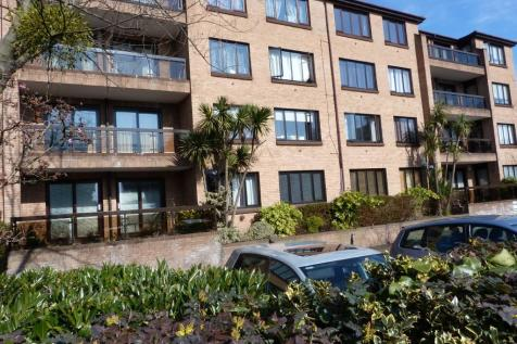Andace Park Gardens, Widmore Road, Bromley, Kent, BR1. 1 bedroom flat