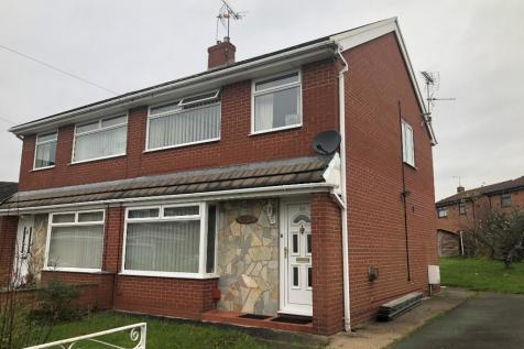 30 Clarence Road, Wrexham, Wrexham (County of), LL11. 3 bedroom semi-detached house