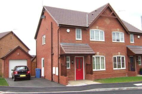31 Top Farm Road, Rhosrobin, Wrexham, LL11 2EZ. 3 bedroom semi-detached house