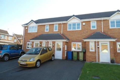 28 Broughton Heights, LL11 6BX. 2 bedroom mews house