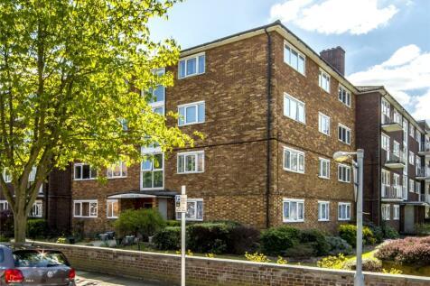 Garden Court, Lichfield Road, Kew, Richmond, TW9. 1 bedroom apartment