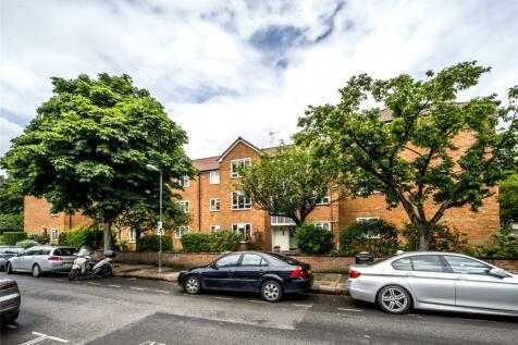 Royston Court, Lichfield Road, Kew, Surrey, TW9. 2 bedroom apartment