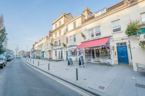 Claverton Buildings, Widcombe, Bath. 3 bedroom maisonette