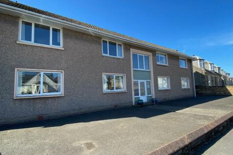 Welbeck Crescent, Troon, Ayrshire, KA10. 1 bedroom ground floor flat