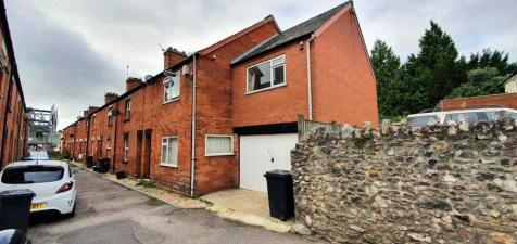 Holly Terrace, Chard. 4 bedroom end of terrace house