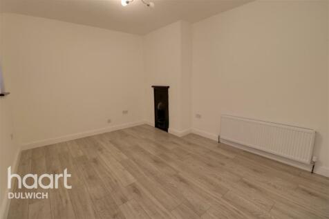Southend Lane, London, SE6. 4 bedroom terraced house