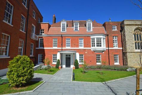 Rosary Manor, Mill Hill Village. 3 bedroom apartment