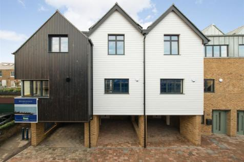 Sea Street, Whitstable. 2 bedroom house for sale