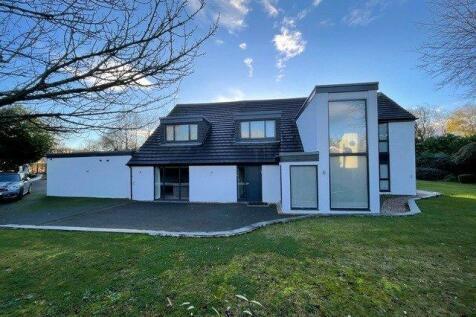 Silver Birches, Wigton Lane, Leeds, West Yorkshire. 6 bedroom detached house for sale