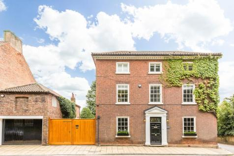 No.1 Yorkshire, 1 South Parade, Bawtry, Doncaster, South Yorkshire, DN10 6JH. 6 bedroom detached house for sale