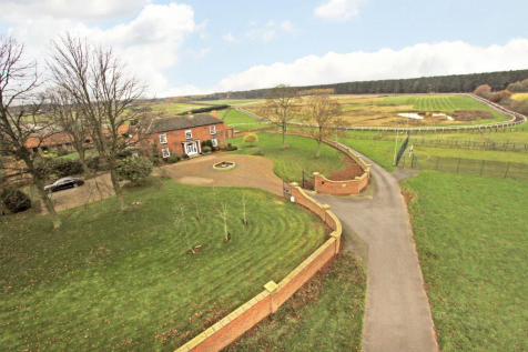Martin Grange Farm, Martin Grange Lane, Bawtry, Doncaster, South Yorkshire, DN10 6DD. 6 bedroom country house for sale