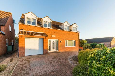 Kilgariff, Harworth Avenue, Blyth, Worksop, Nottinghamshire, S81 8HH. 4 bedroom detached house for sale