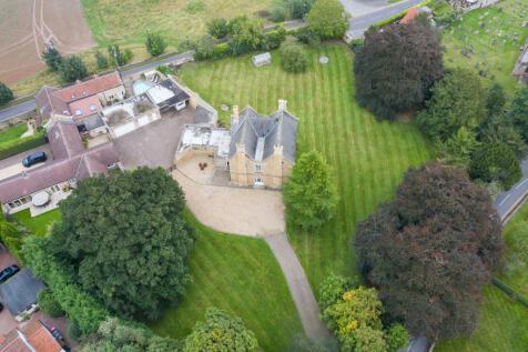 The Grange, Harthill Road, Thorpe Salvin, Worksop, Nottinghamshire, S80 3JR. 4 bedroom detached house for sale