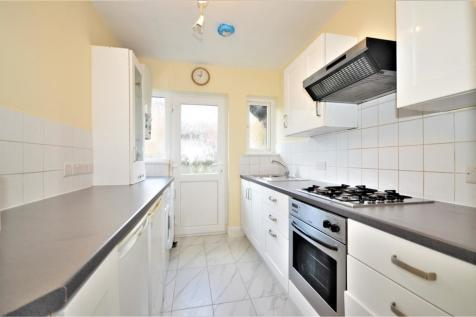 Palmers Court, Palmers Road, London, N11. 2 bedroom apartment