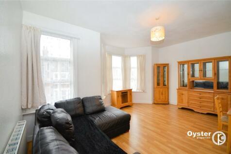 Wightman Road, London, N8. 2 bedroom apartment