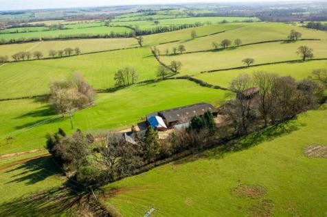 Charwelton Hill Farm, Charwelton, Daventry NN11 3YR. 4 bedroom farm house for sale