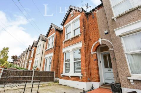 Elsinore Road, London, SE23. 2 bedroom end of terrace house