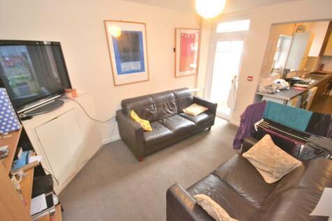 Pitcroft Avenue, Earley, Reading, Berkshire, RG6 1NN. 6 bedroom terraced house
