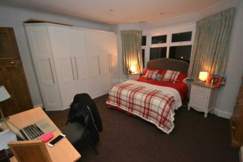 Northcourt Avenue, Reading, Berkshire, RG2 7HA. 7 bedroom semi-detached house