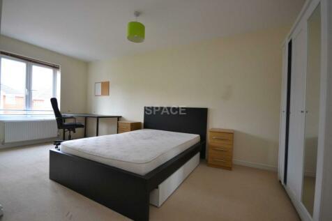 Regis Park Road, Reading, Berkshire, RG6 7AD. 1 bedroom house share
