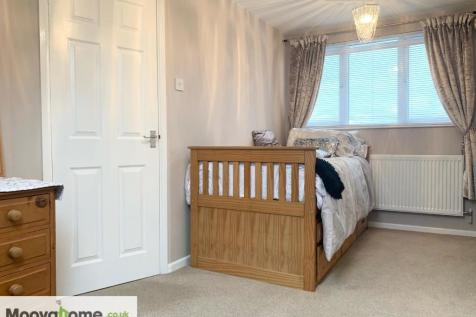Queensfield, Swindon, Wiltshire, SN2. 1 bedroom house of multiple occupation