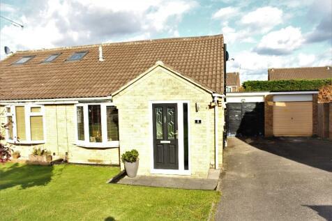 Ravenglass Road, Swindon, Wiltshire, SN5. 2 bedroom semi-detached house