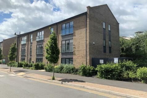Fire Fly Avenue, Swindon, Wiltshire, SN2. 2 bedroom flat