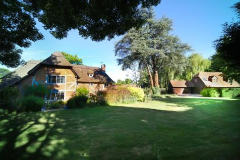Pilcot Hill, Dogmersfield, Dogmersfield, RG27. 6 bedroom country house for sale