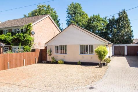 York Lane, Hartley Wintney, Hook, RG27. 3 bedroom property for sale