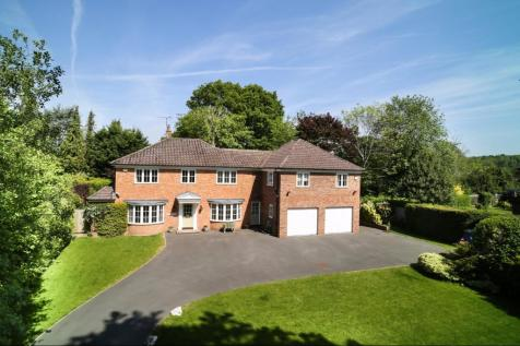 Brackley Avenue, Hartley Wintney, Hartley Wintney, RG27. 5 bedroom detached house for sale