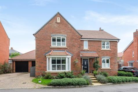 St Savin, Hartley Wintney, Hook, RG27. 4 bedroom detached house for sale