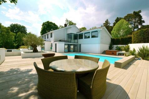 Egmont Drive, Avon Castle, Ringwood, Hants, BH24. 5 bedroom detached house