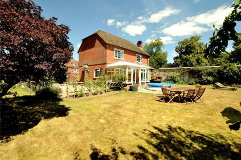 Moyles Court, Rockford, Ringwood, Hampshire, BH24. 3 bedroom detached house