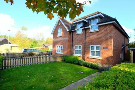 Ashley Gate, 122 Woolsbridge Road, Ashley Heath, Ringwood, BH24. 3 bedroom semi-detached house