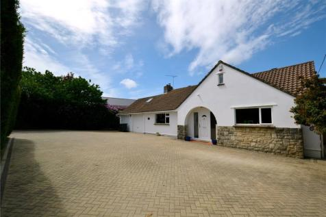 Cherry Tree Close, St. Leonards, Ringwood, BH24. 4 bedroom bungalow