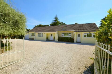 Bushmead Drive, Ashley Heath, Ringwood, BH24. 5 bedroom bungalow