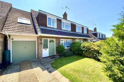 Beatty Close, Ringwood, Hampshire, BH24. 5 bedroom semi-detached house