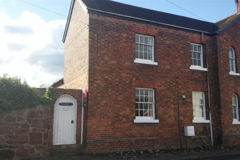 Dee House Cottage, Bangor-on-dee. Wrexham, LL13. 2 bedroom cottage