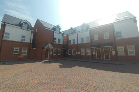 11 Highgate Court , Bridge Street, Wrexham, LL13 7HT. 1 bedroom flat