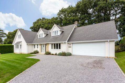 Boundary Drive, Wimborne, Dorset, BH21. 5 bedroom detached house