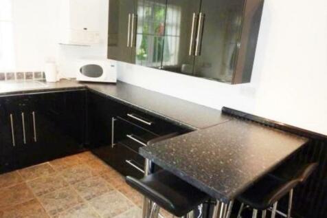 Shrewsbury Road, Norfolk Park. 4 bedroom terraced house
