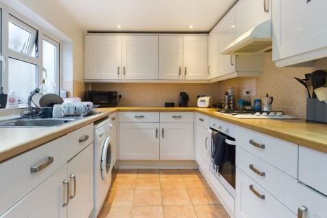 Ditchling Road, BN1. 3 bedroom terraced house