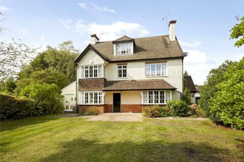 Great Austins, Farnham, Surrey, GU9. 5 bedroom detached house for sale