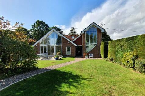 Forest Glade, Rowledge, Farnham, Surrey, GU10. 5 bedroom detached house for sale