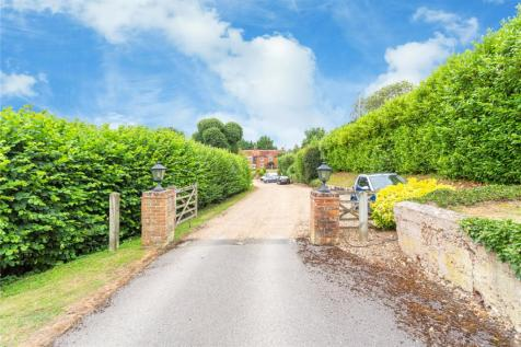 Amersham Road, Chalfont St. Peter, Gerrards Cross, Buckinghamshire, SL9. 6 bedroom detached house for sale