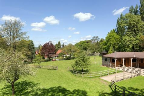 London Road, Chalfont St. Giles, Buckinghamshire, HP8. 6 bedroom detached house for sale