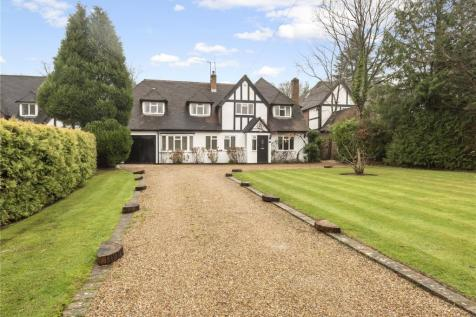 Howards Thicket, Gerrards Cross, Buckinghamshire, SL9. 5 bedroom detached house for sale