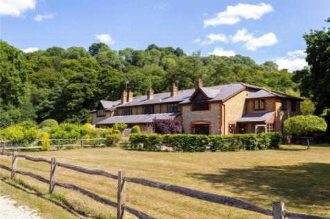 Postford Mill Cottages, Mill Lane, Chilworth, Guildford, GU4. 2 bedroom terraced house