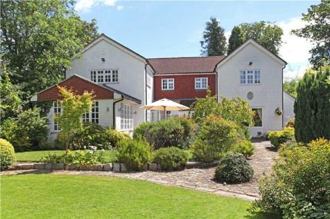 Liddington Hall Drive, Guildford, Surrey, GU3. 4 bedroom detached house for sale