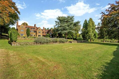 Puttenham Hill, Puttenham, Guildford, Surrey, GU3. 5 bedroom house for sale